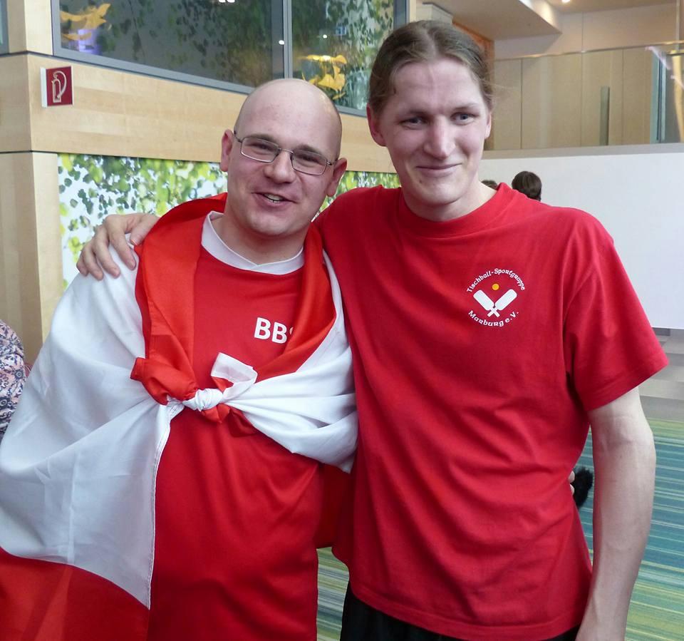 Foto: Die Finalisten bei den Herren,  Arm in Arm (von links) Benjamin Neue,  Thade Rosenfeldt.